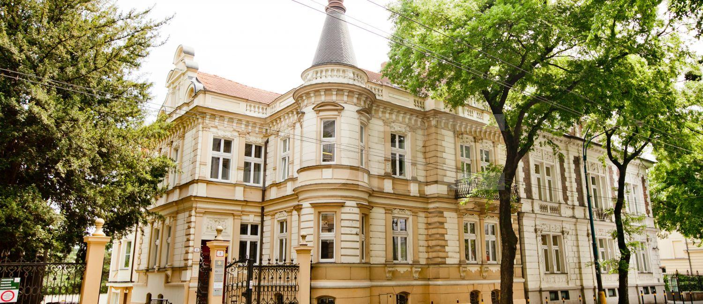 Štefánikova 8, Bratislava - Staré Mesto | Prenájom kancelárií od CBRE