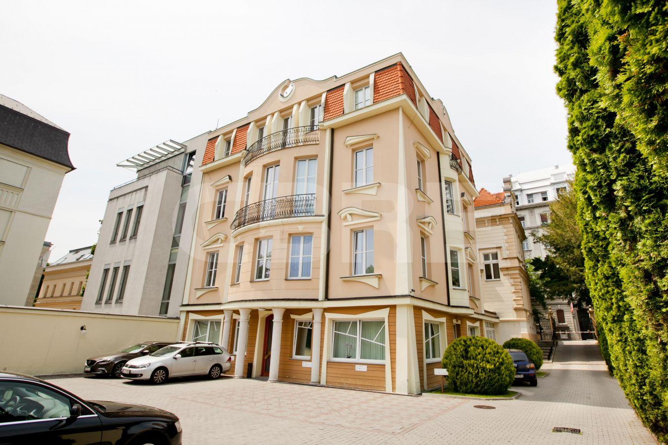 Štefánikova 8, Bratislava - Staré Mesto | Prenájom kancelárií od CBRE | 1