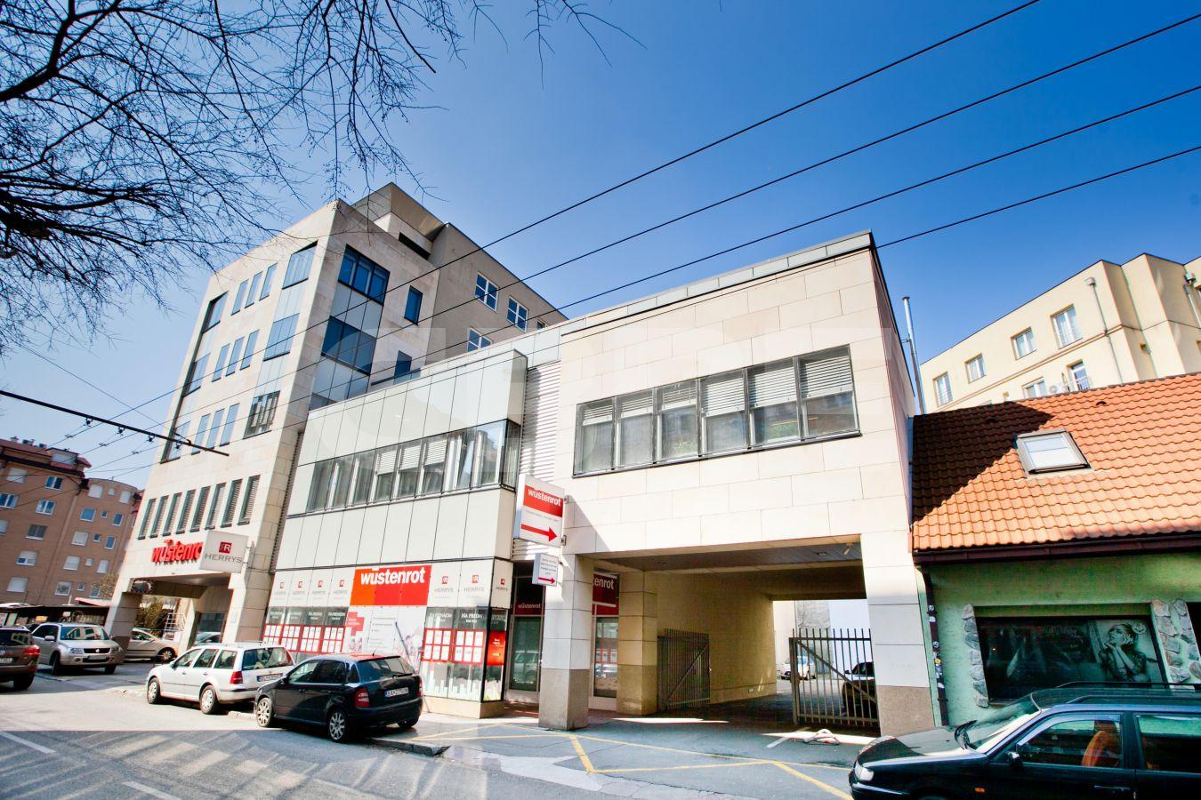 Žilinská 7-9, Bratislava - Staré Mesto | Prenájom kancelárií od CBRE | 2