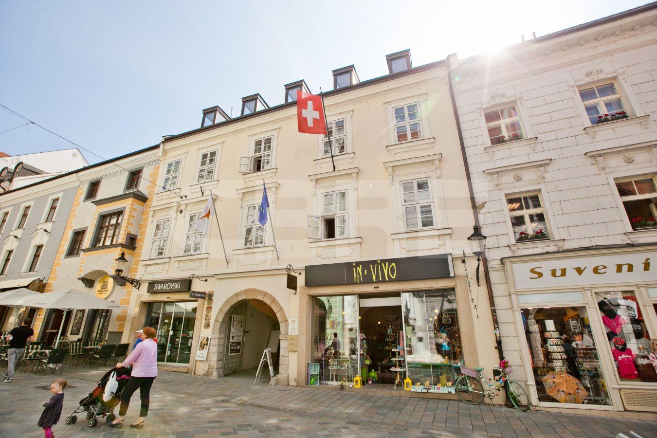 Michalská - Burghers House, Bratislava - Staré Mesto | Prenájom kancelárií od CBRE | 2