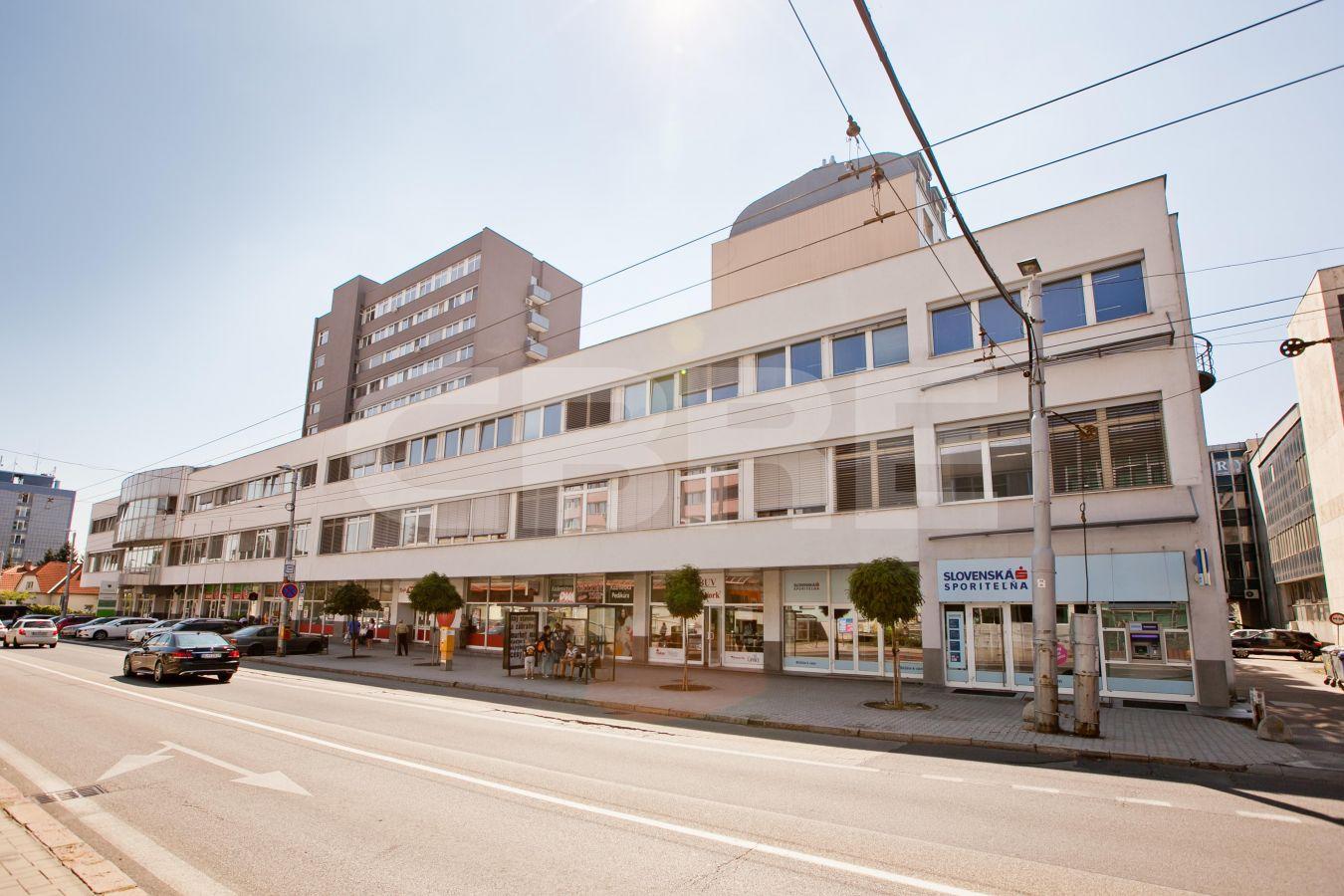 Stromová 9, Bratislava - Rača | Prenájom kancelárií od CBRE | 1