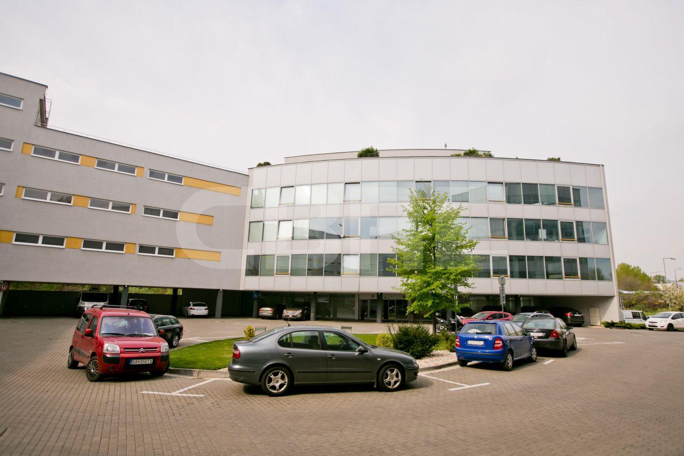 IP Centrum, Bratislava - Nové Mesto | Prenájom kancelárií od CBRE | 2
