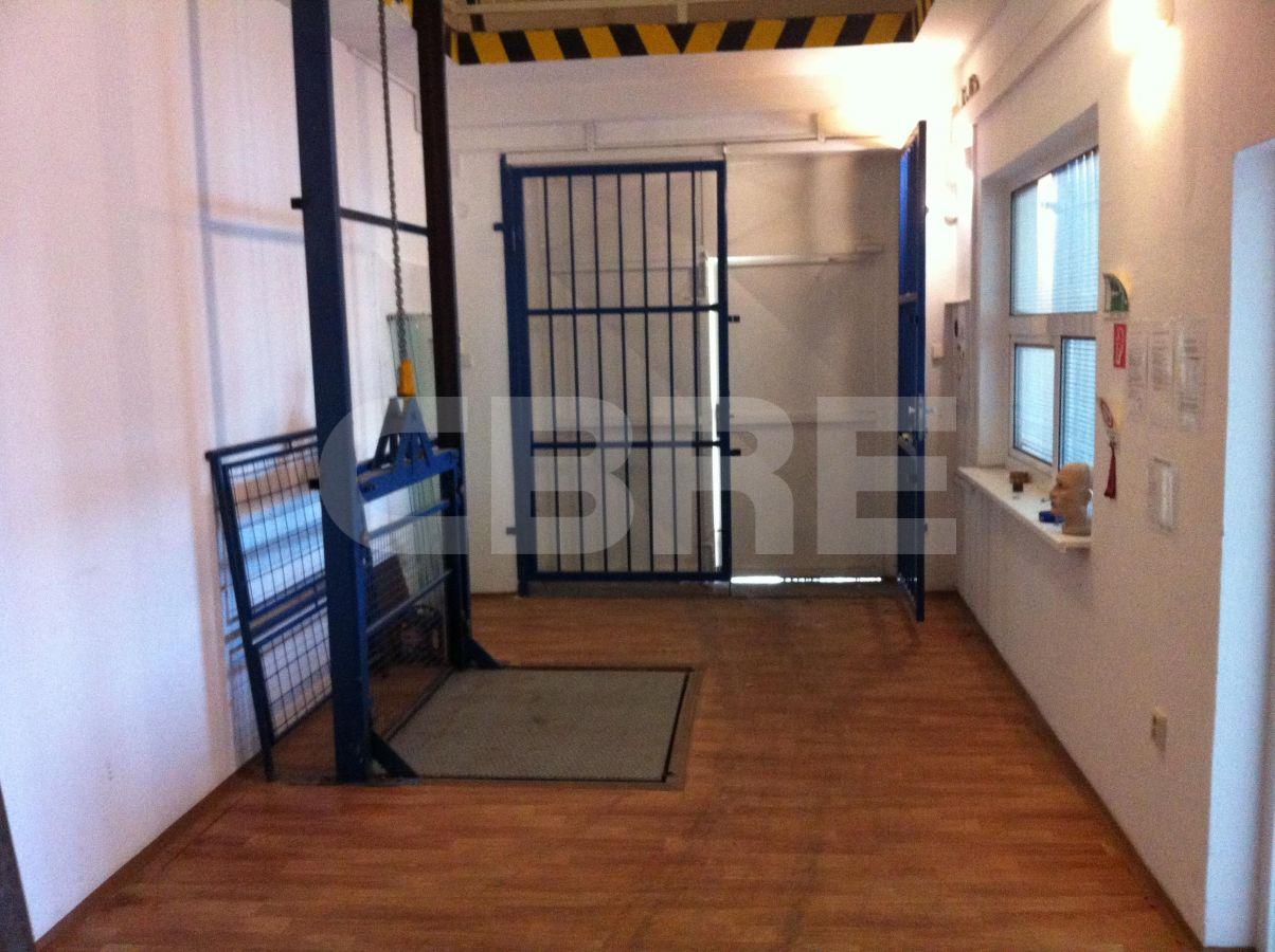 Stará Vajnorská, Bratislava III. - 650 m2, Bratislavský kraj, Bratislava | Prenájom a predaj skladov a výrobných hál od CBRE | 1