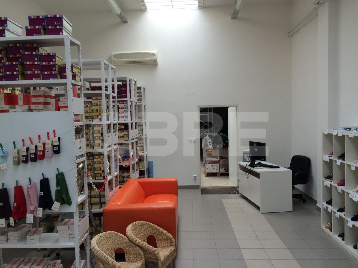 Turbínová, Bratislava III - 390 m2, Bratislavský kraj, Bratislava | Prenájom a predaj skladov a výrobných hál od CBRE | 3