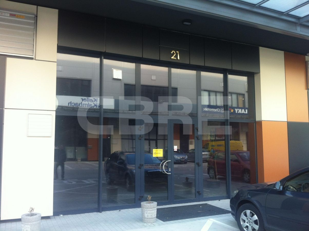 Stará Vajnorská, Bratislava III - 320 m², Bratislavský kraj, Bratislava | Prenájom a predaj skladov a výrobných hál od CBRE | 1