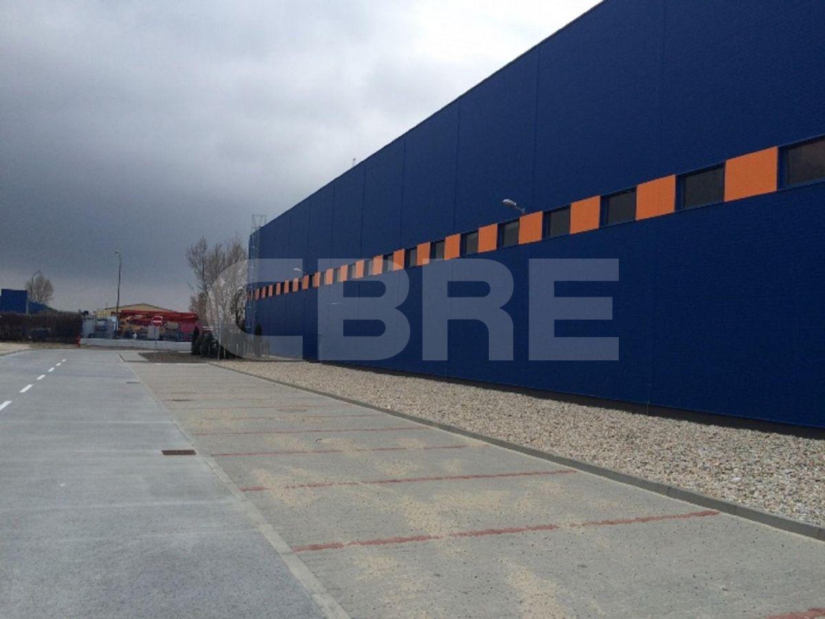Bojnická, Bratislava III - 900 m2, Bratislavský kraj, Bratislava | Prenájom a predaj skladov a výrobných hál od CBRE | 4
