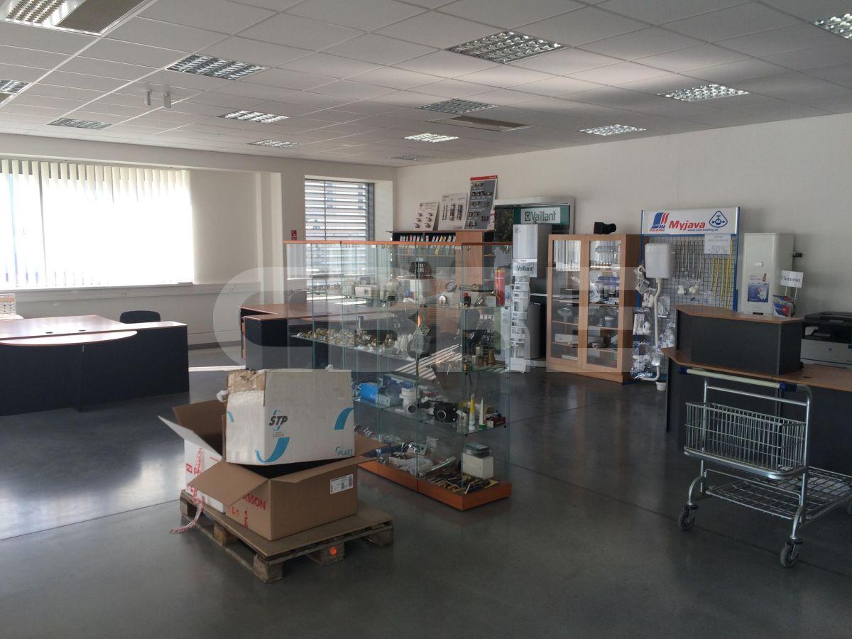 Ivanka pri Dunaji - 2475 m2, Bratislavský kraj, Bratislava | Prenájom a predaj skladov a výrobných hál od CBRE | 4