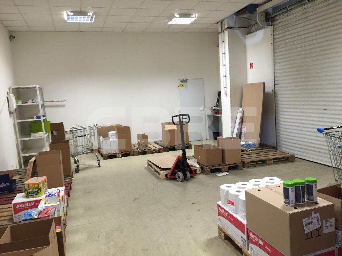Rožňavská, Bratislava - 2484 m2, Bratislavský kraj, Bratislava | Prenájom a predaj skladov a výrobných hál od CBRE | 3