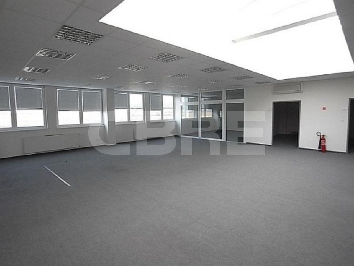 Pezinok, 3460 m2, Bratislavský kraj, Pezinok | Prenájom a predaj skladov a výrobných hál od CBRE | 1