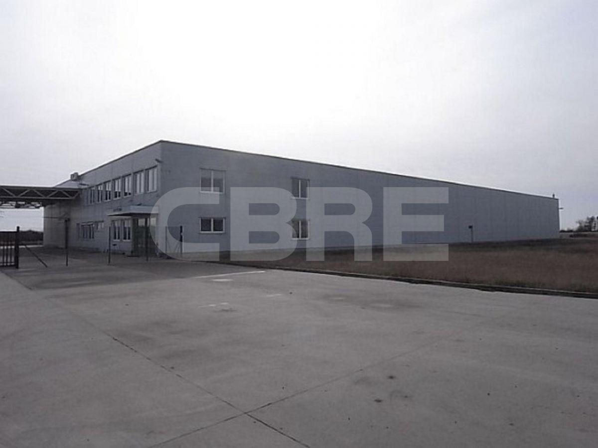 Pezinok, 3460 m2, Bratislavský kraj, Pezinok | Prenájom a predaj skladov a výrobných hál od CBRE | 2