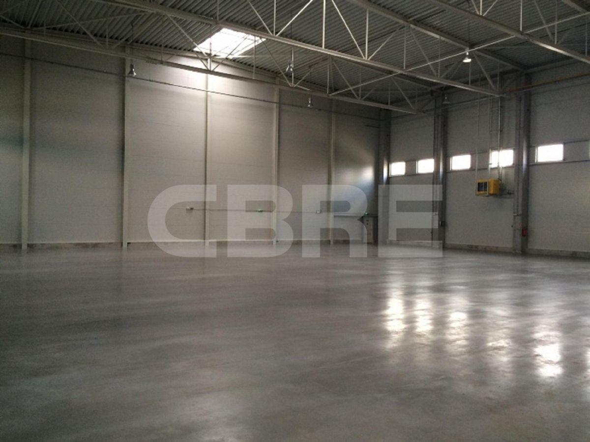 Bojnícka, Bratislava III - 2700 m2, Bratislavský kraj, Bratislava | Prenájom a predaj skladov a výrobných hál od CBRE | 2