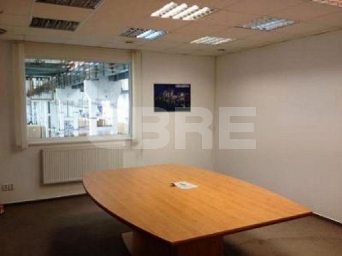 Pezinok, 2600 m2, Bratislavský kraj, Pezinok | Prenájom a predaj skladov a výrobných hál od CBRE | 1