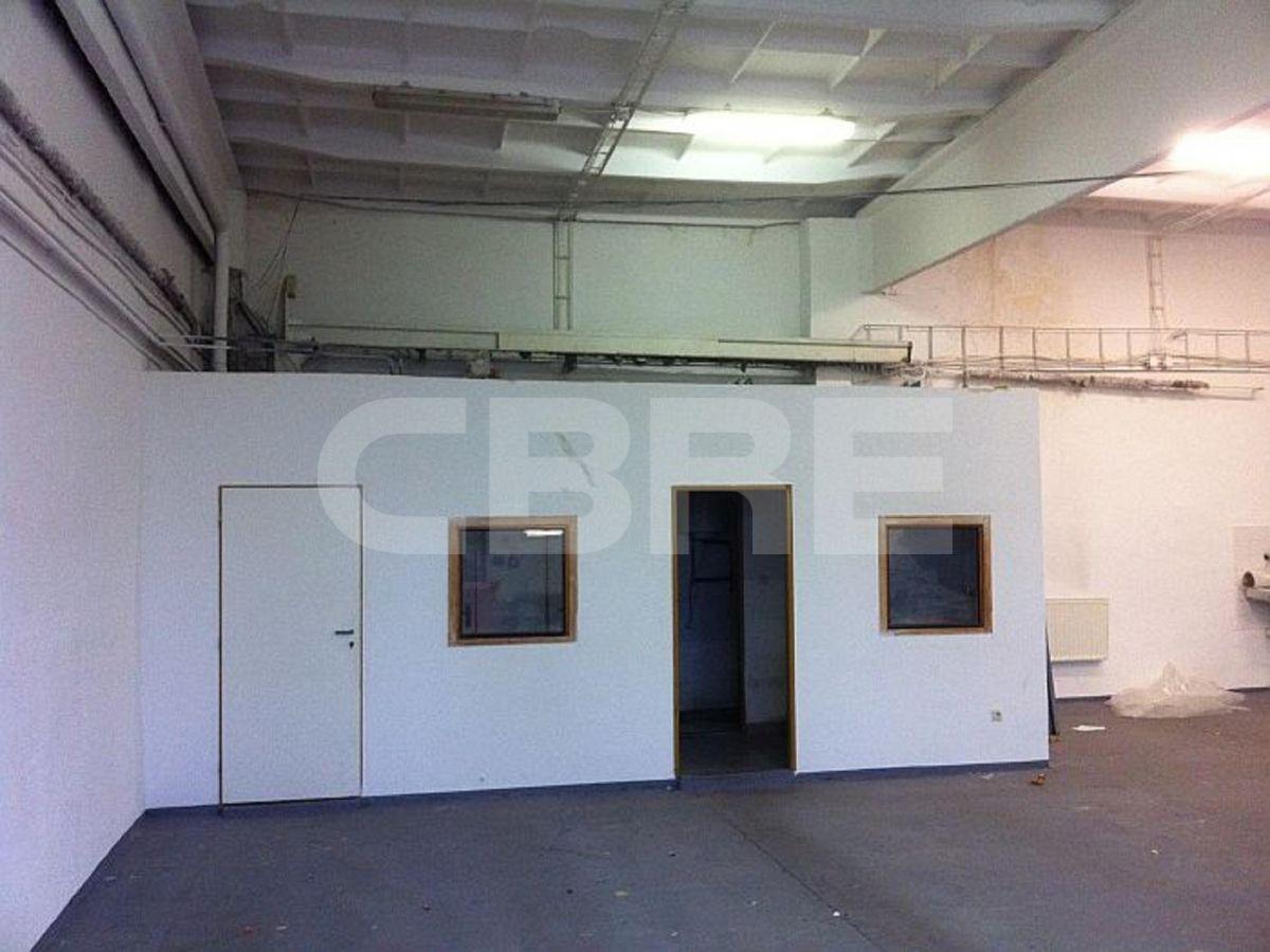 Turbinova, Bratislava III. - 414 m2, Bratislavský kraj, Bratislava | Prenájom a predaj skladov a výrobných hál od CBRE | 1
