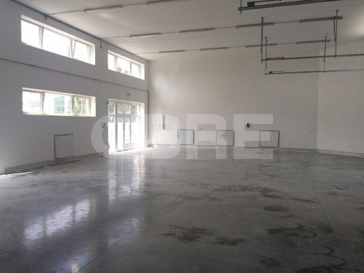 Kopčianska, Bratislava V - 563 m2, Bratislavský kraj, Bratislava | Prenájom a predaj skladov a výrobných hál od CBRE | 2