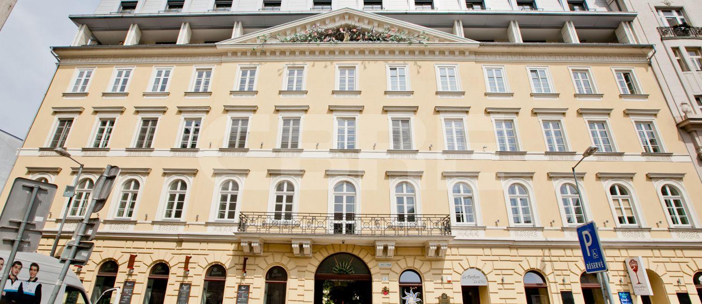 Palác Motešických, Bratislava - Staré Mesto | Prenájom kancelárií od CBRE