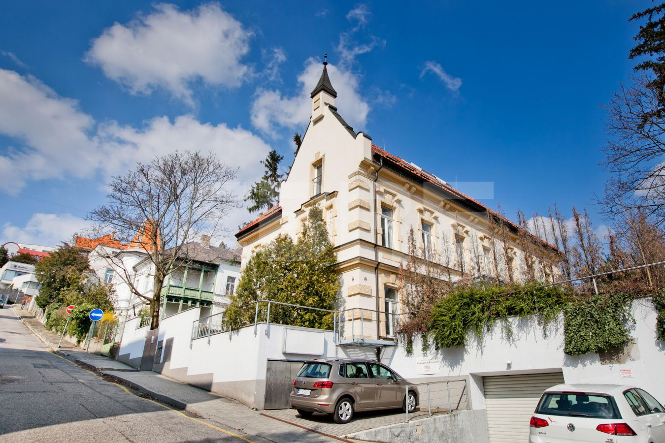 Kuzmányho 8, Bratislava - Staré Mesto | Prenájom kancelárií od CBRE | 1