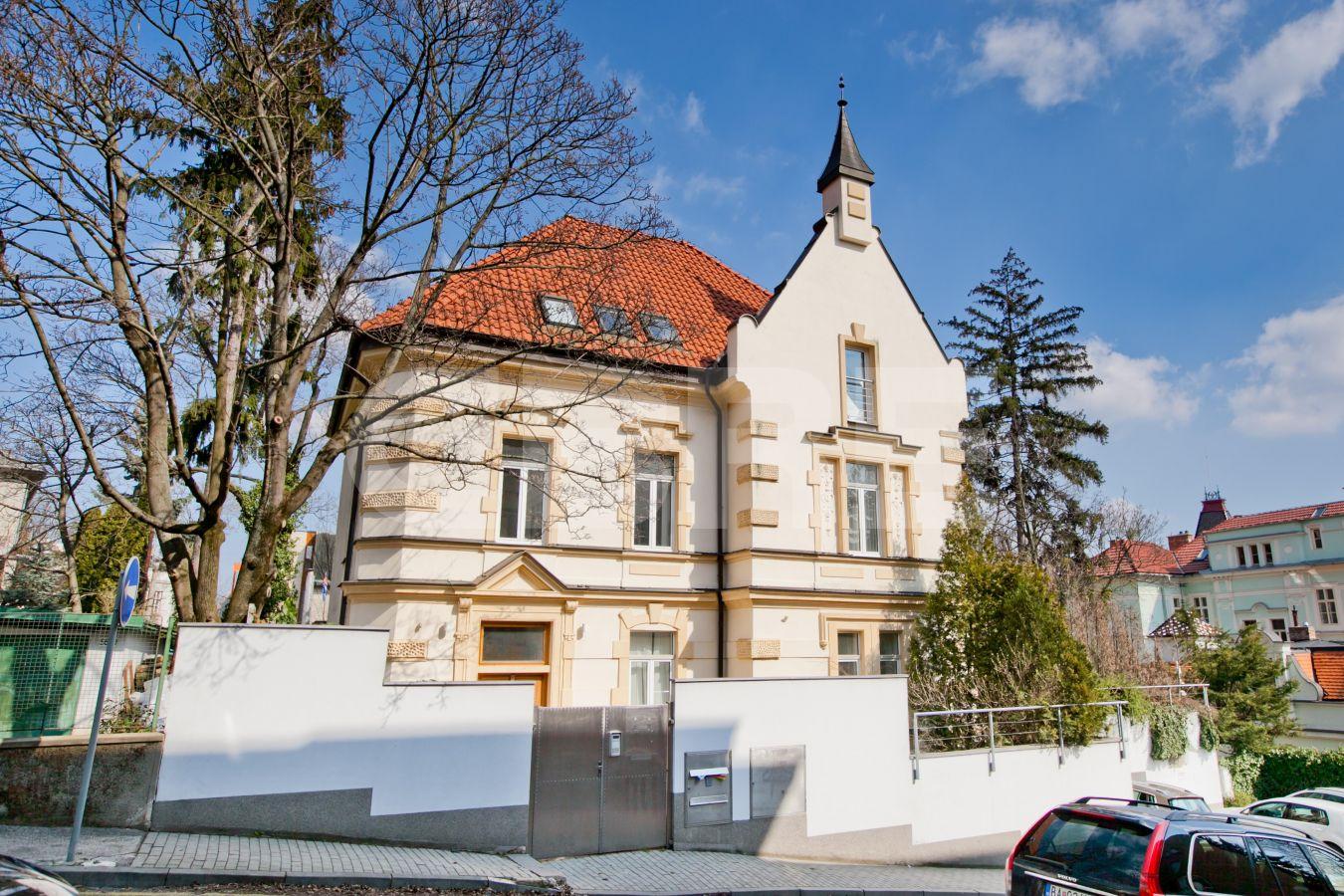 Kuzmányho 8, Bratislava - Staré Mesto | Prenájom kancelárií od CBRE | 2