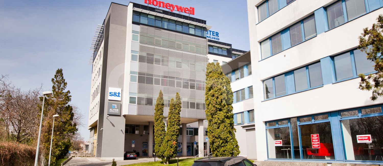 Trade center II, Bratislava - Ružinov | Prenájom kancelárií od CBRE