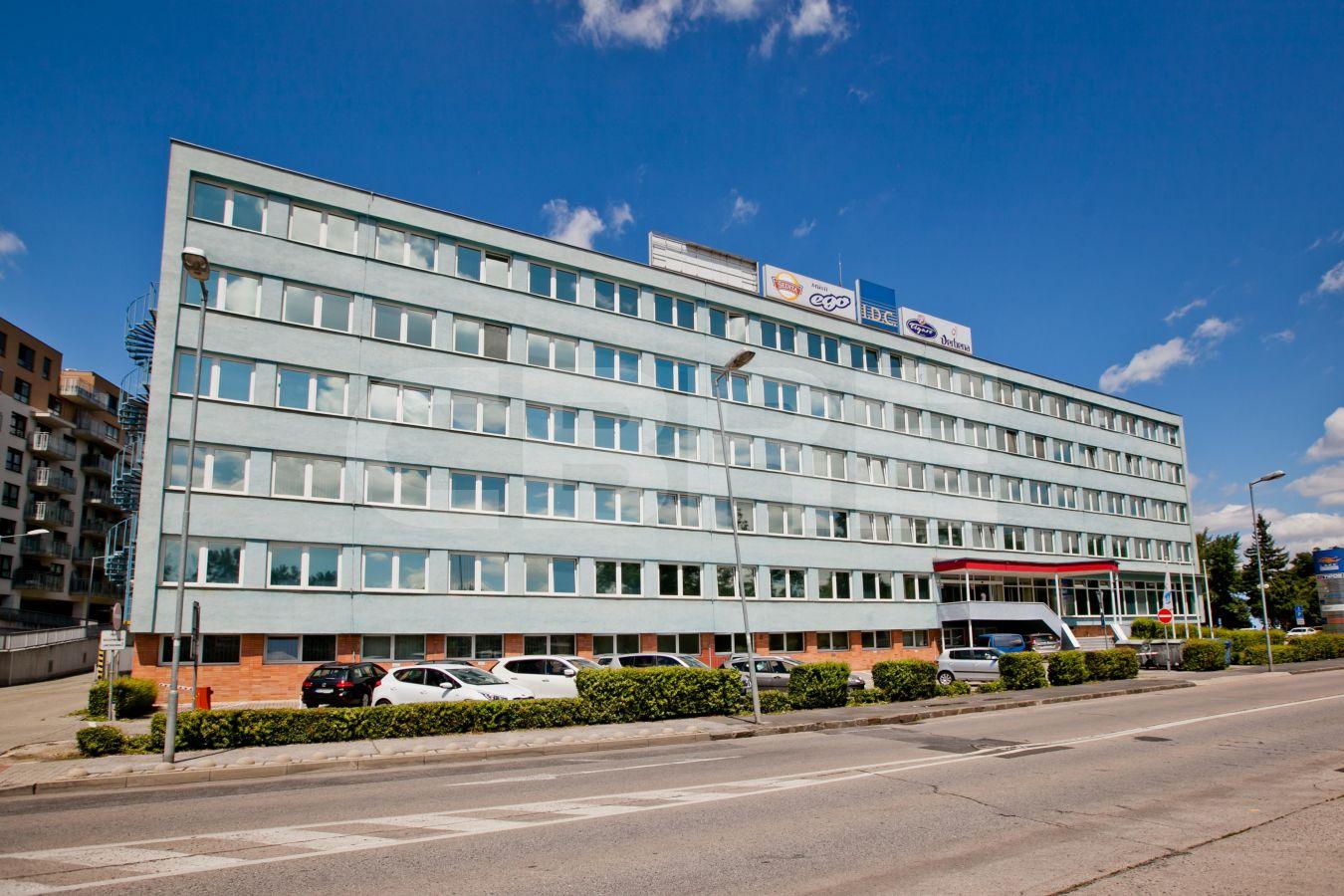 Lake building, Bratislava - Nové Mesto | Offices for rent by CBRE | 1