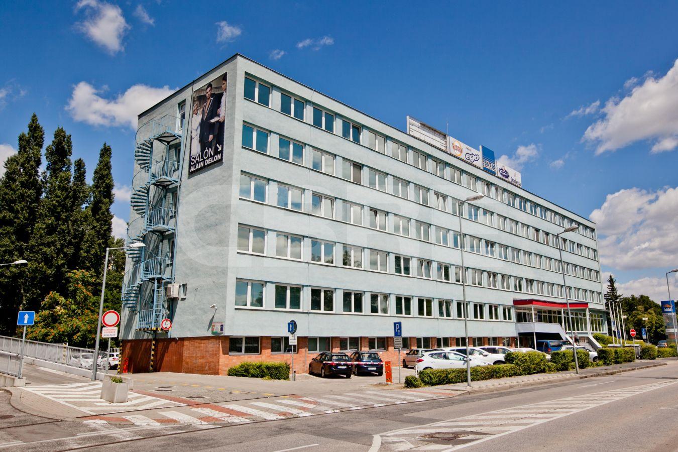 Lake building, Bratislava - Nové Mesto | Prenájom kancelárií od CBRE | 2