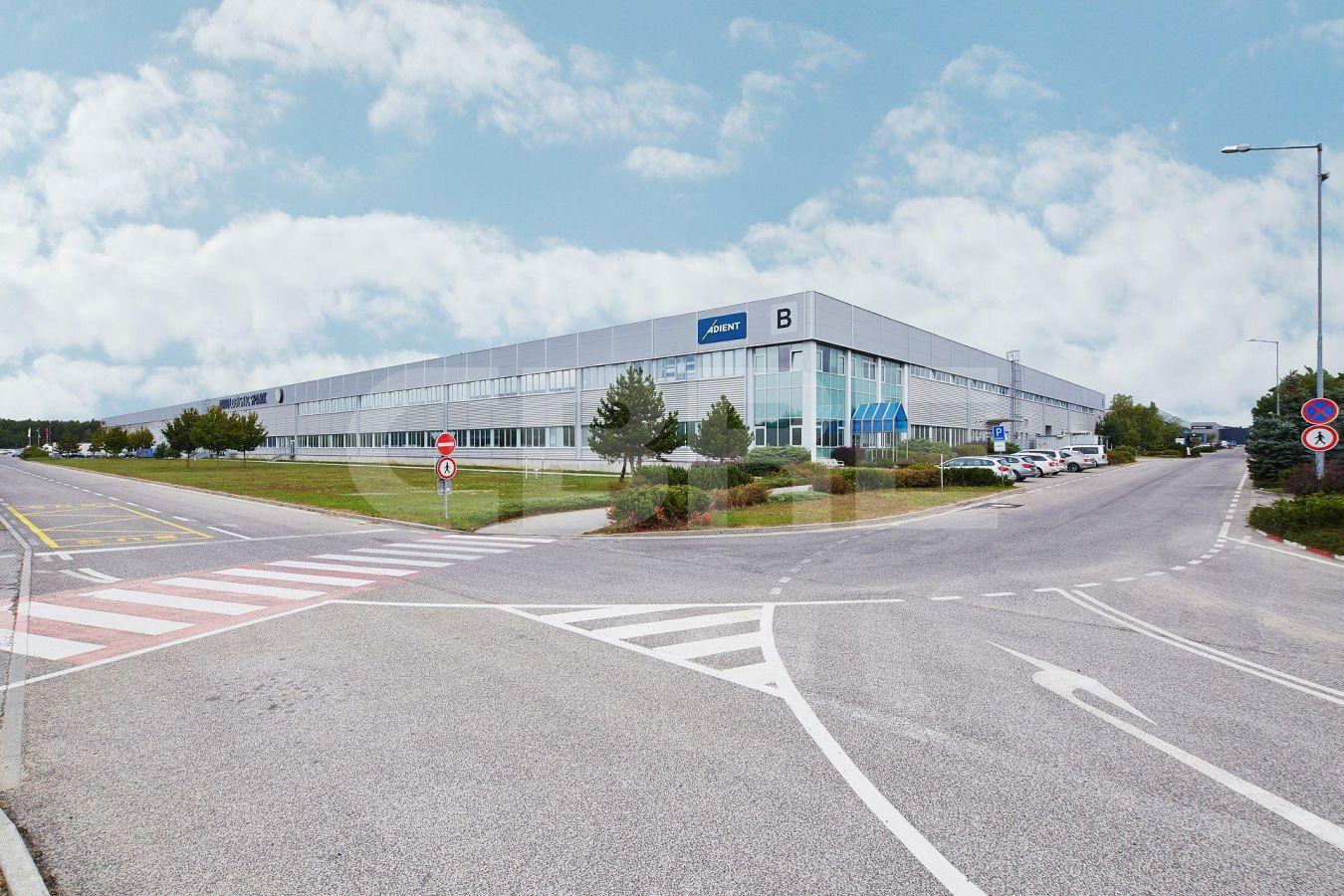AIG Lozorno - Hall B, Bratislavský kraj, Lozorno | Prenájom a predaj skladov a výrobných hál od CBRE | 2