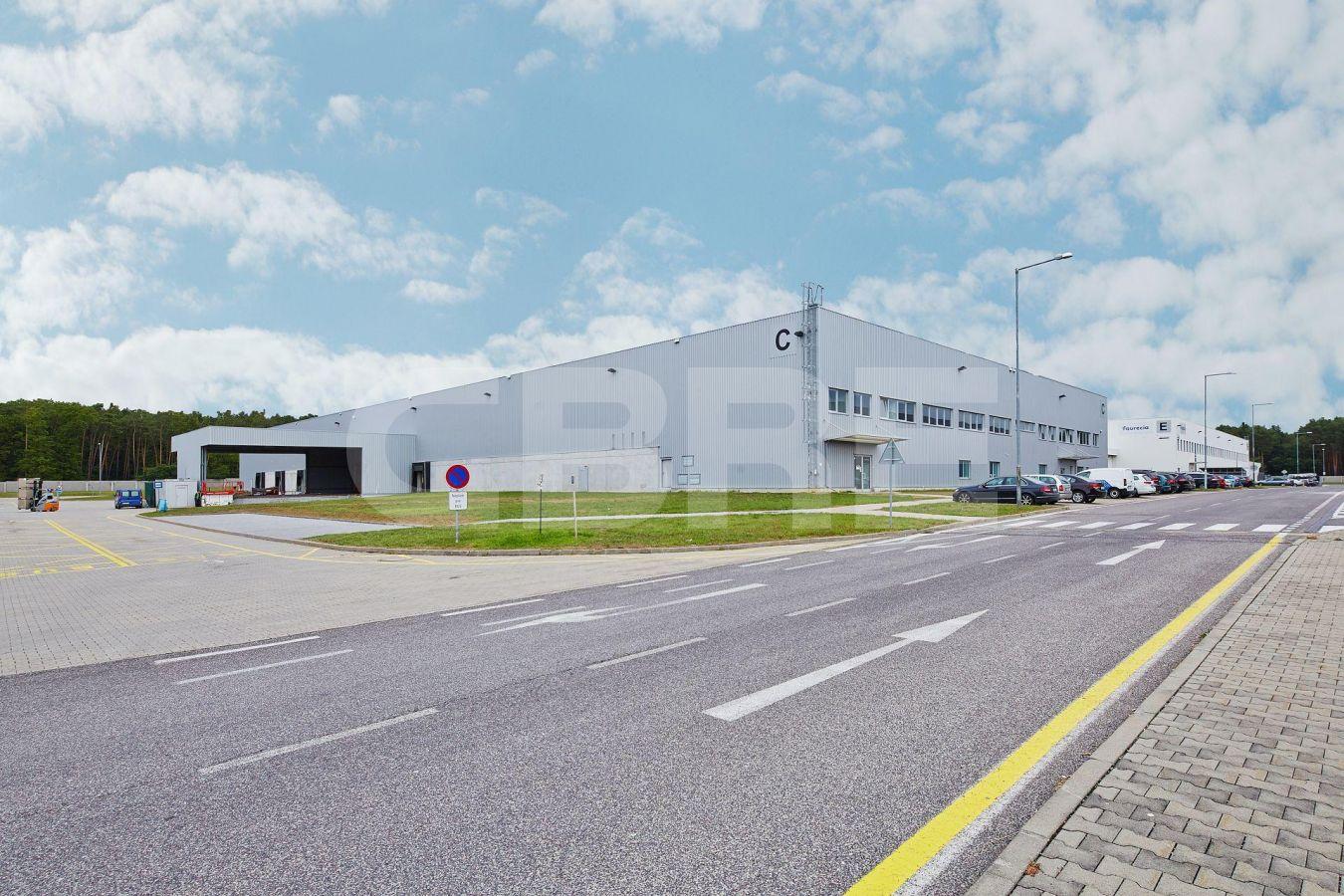 AIG Lozorno - Hall C, Bratislavský kraj, Lozorno | Prenájom a predaj skladov a výrobných hál od CBRE | 2