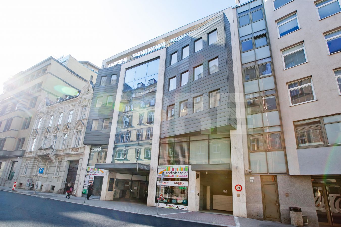 Kancelárie Grosslingová 5, Bratislava - Staré Mesto | Prenájom kancelárií od CBRE | 2