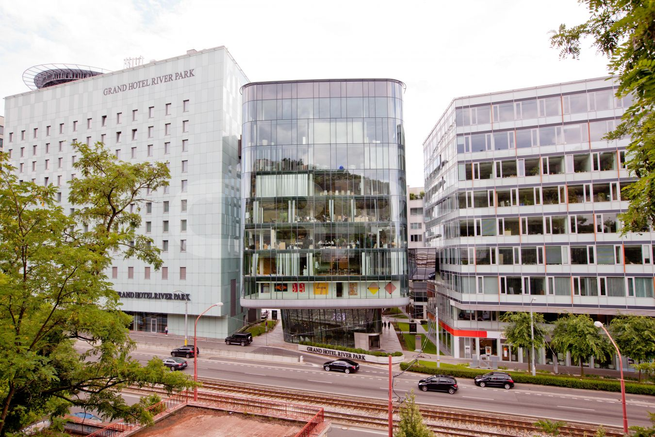 River Park - River House, Bratislava - Staré Mesto | Offices for rent by CBRE | 2