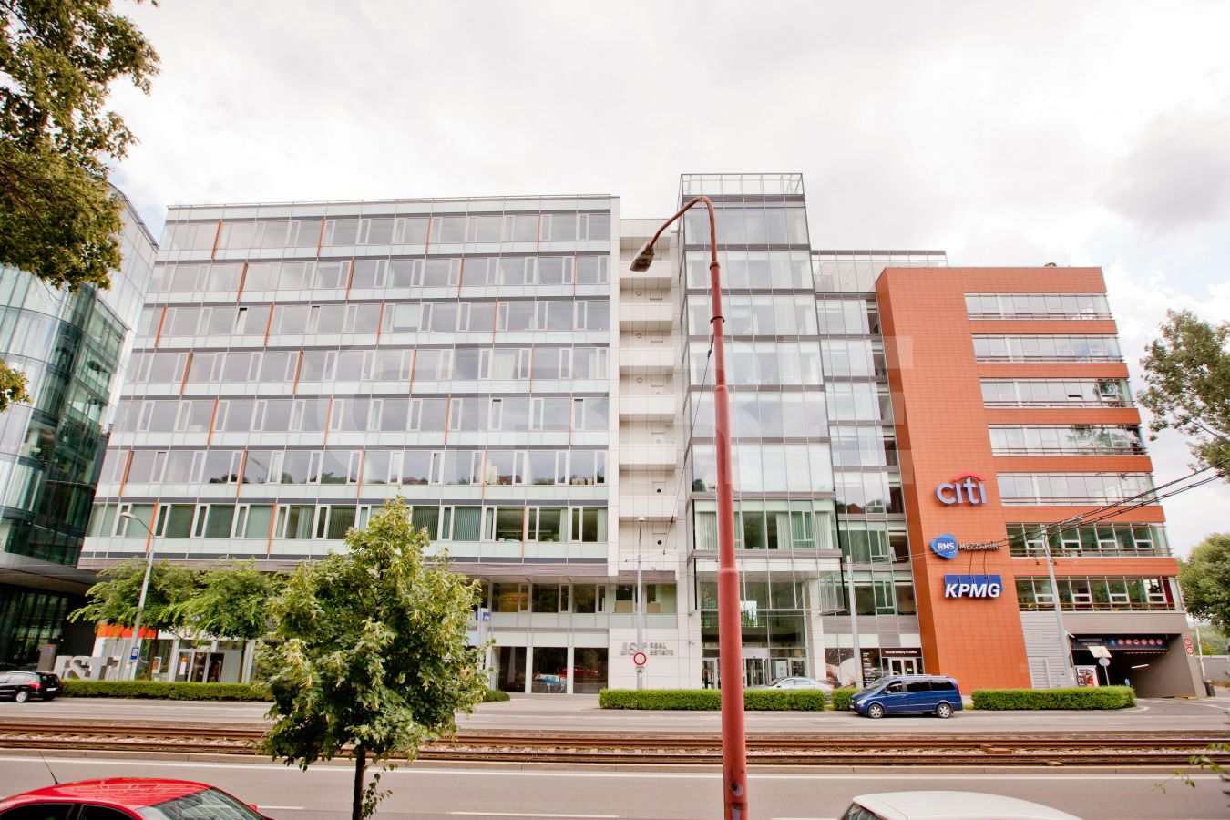 River Park - Block C, Bratislava - Staré Mesto | Offices for rent by CBRE | 2