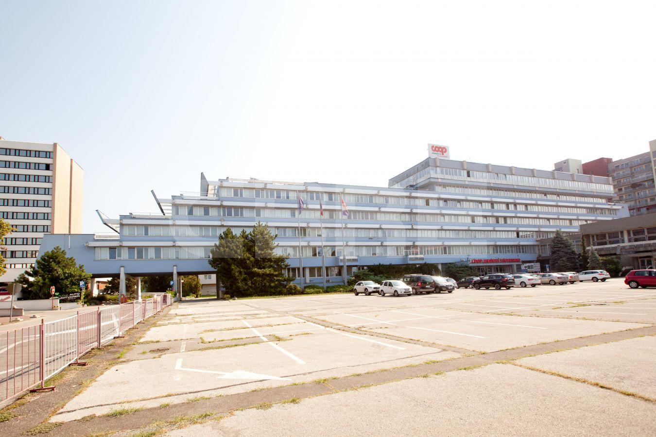 COOP Jednota, Bratislava - Ružinov | Prenájom kancelárií od CBRE | 1
