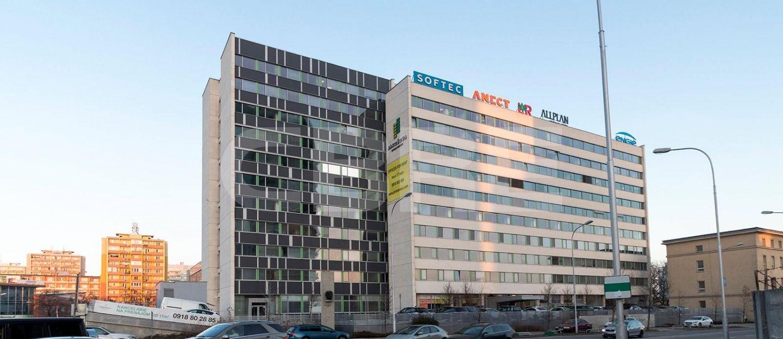 Jarošova OC, Bratislava - Nové Mesto | Prenájom kancelárií od CBRE