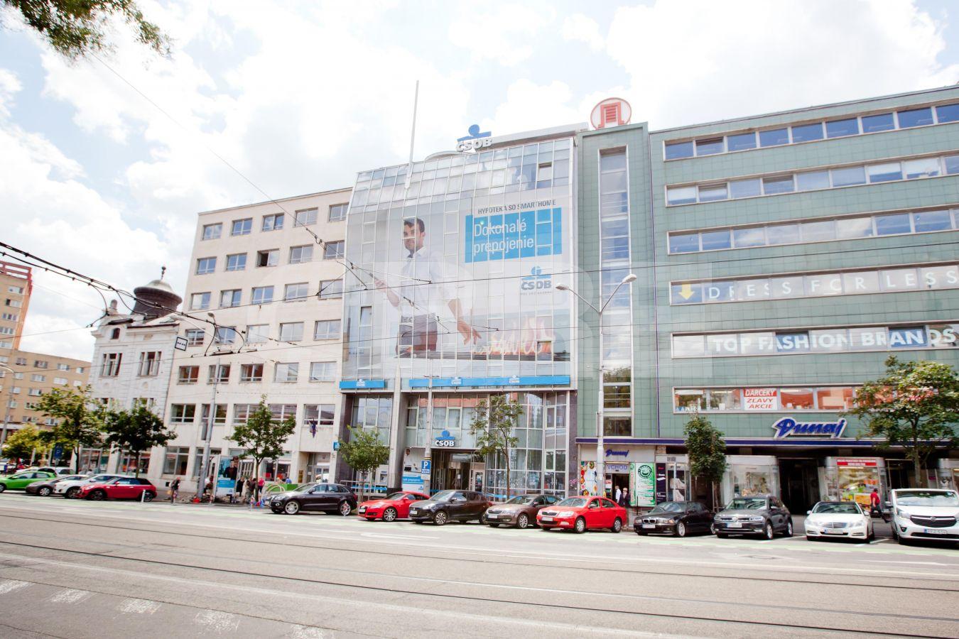 Námestie SNP 29 - CSOB, Bratislava - Staré Mesto | Prenájom kancelárií od CBRE | 1