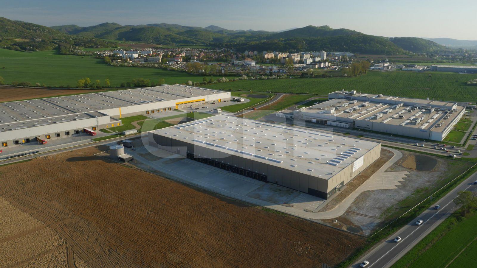 Reico park Dubnica - DC2, Trenčiansky kraj, Dubnica nad Váhom | Prenájom a predaj skladov a výrobných hál od CBRE | 2