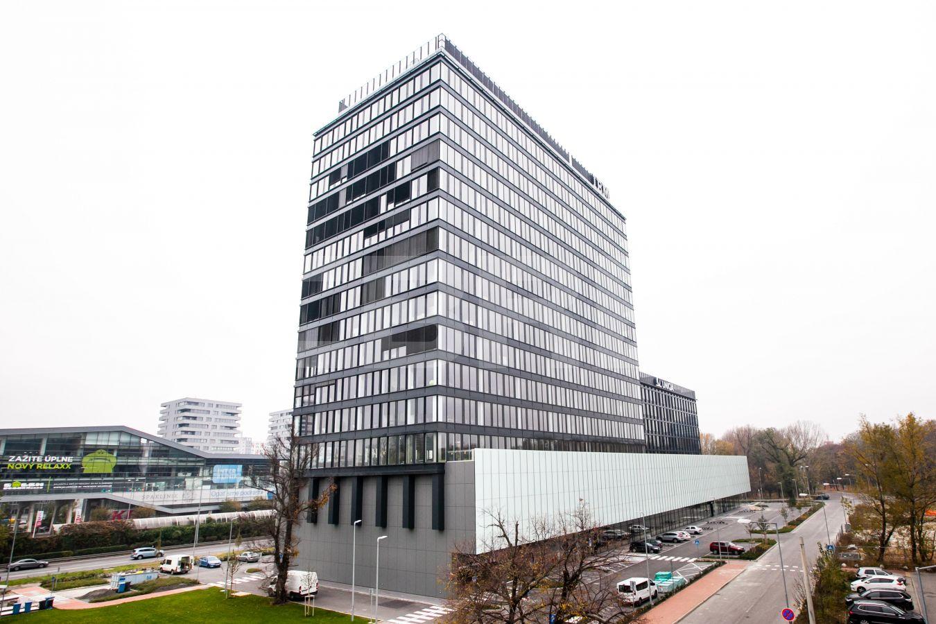 Einsteinova Business Center, Bratislava - Petržalka | Prenájom kancelárií od CBRE | 1