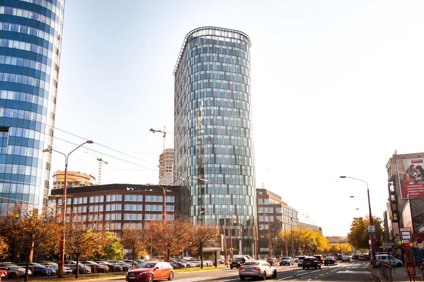 Twin City Tower, Bratislava - Staré Mesto | Prenájom kancelárií od CBRE | 1