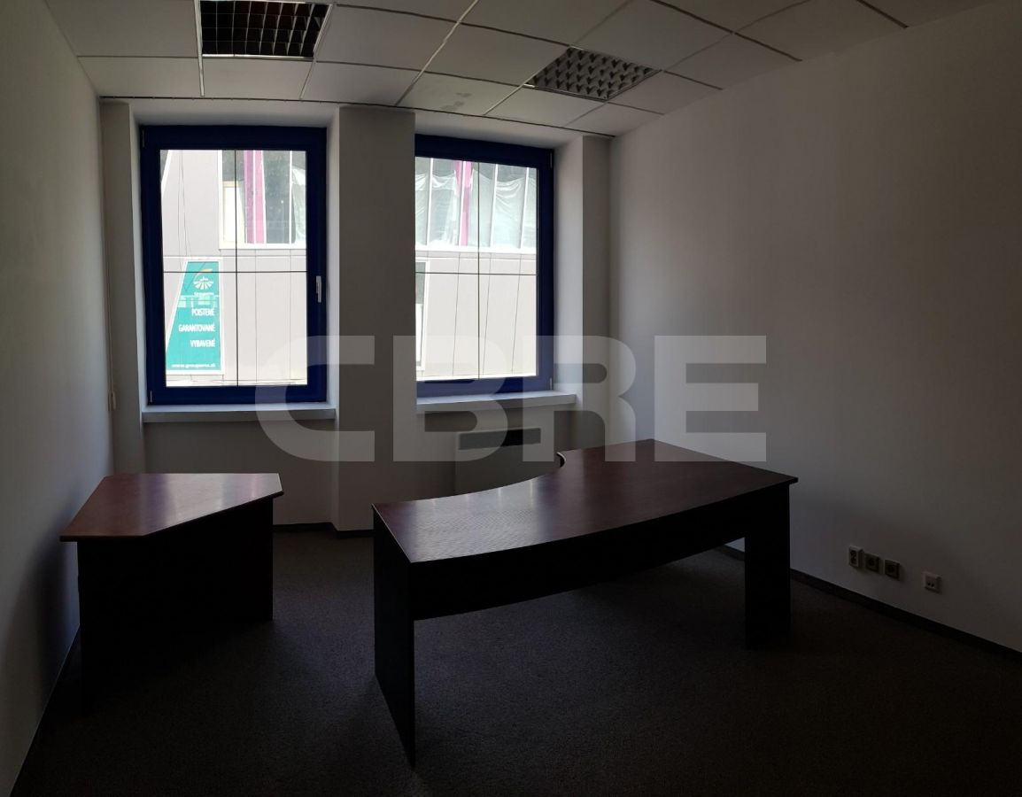 Administratívna budova Janka Kráľa, Banská Bystrica | Prenájom kancelárií od CBRE | 2