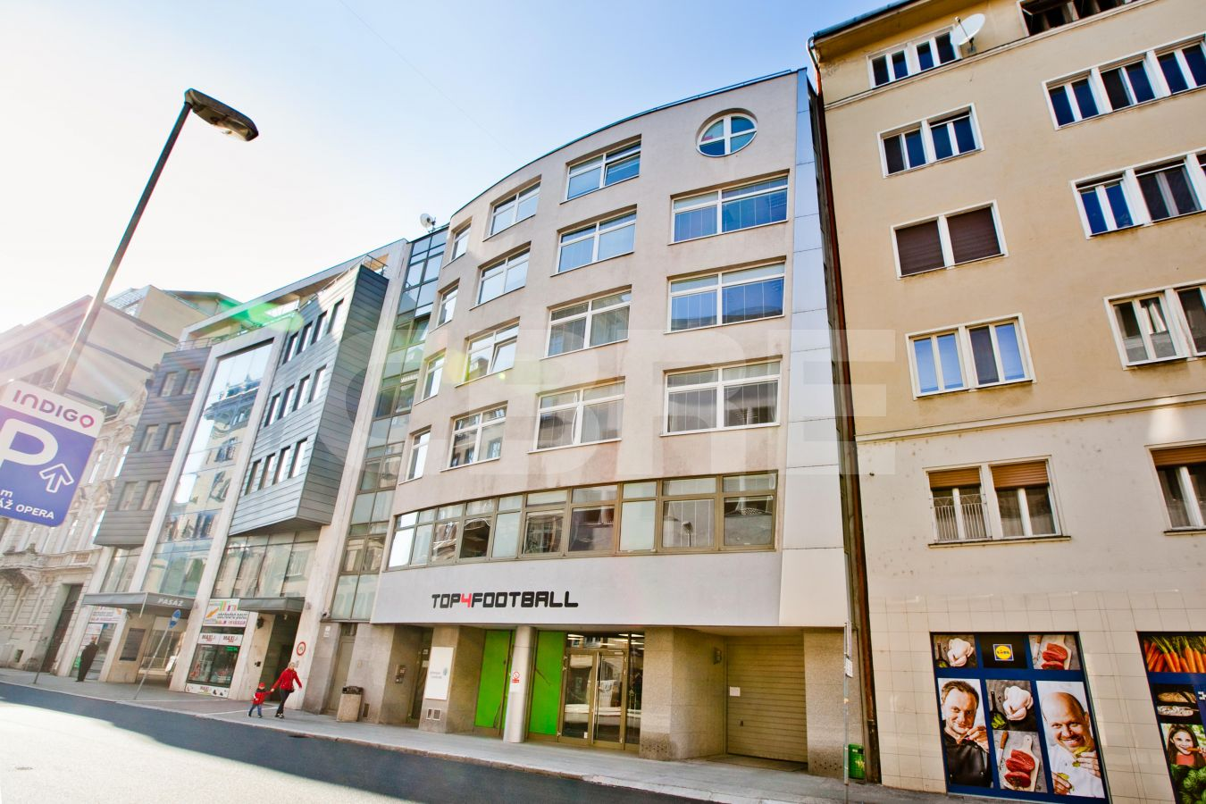 Grosslingova 7, Bratislava - Staré Mesto | Offices for rent by CBRE | 2