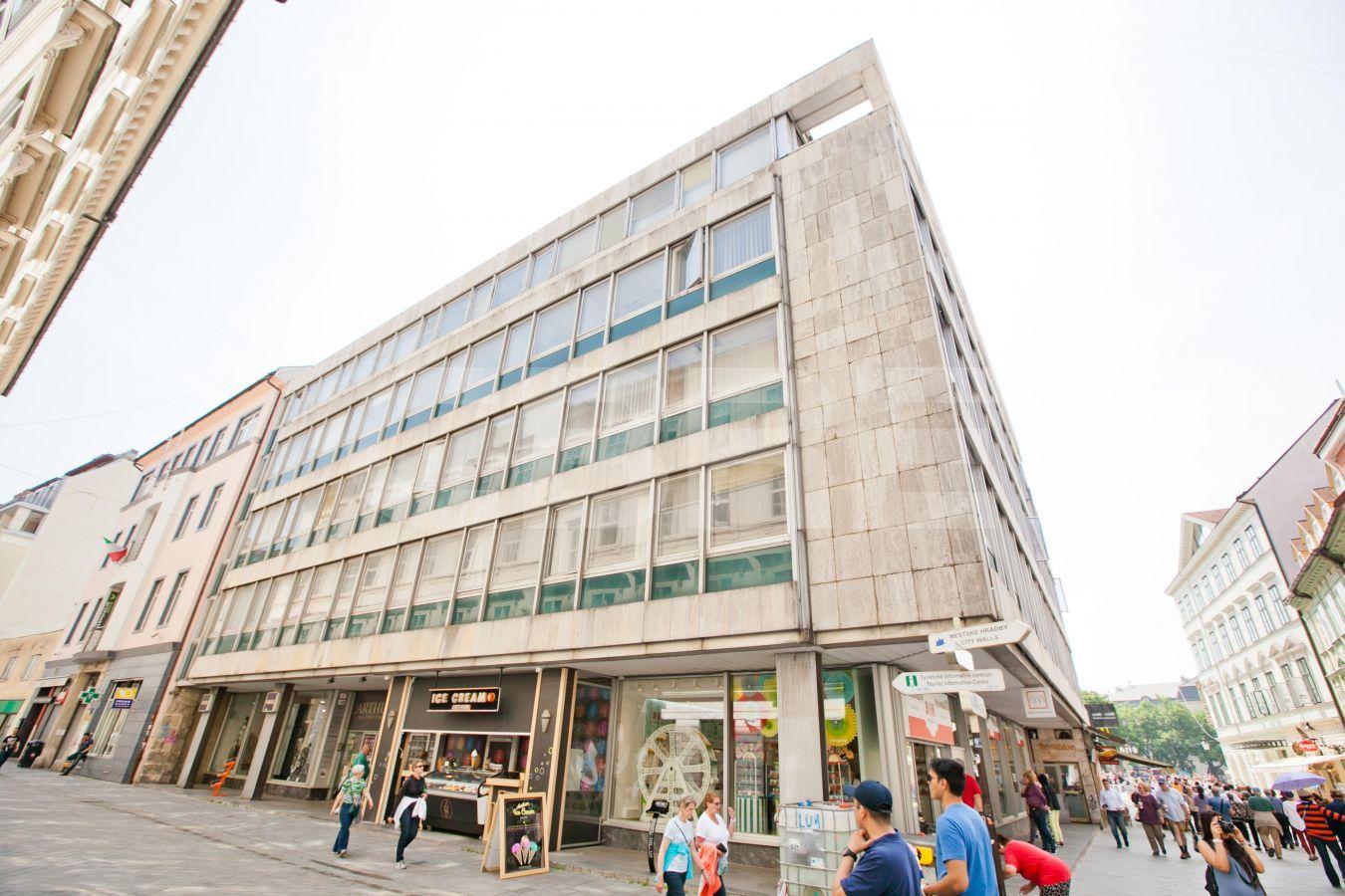 Laurínska 2, Bratislava - Staré Mesto   Prenájom kancelárií od CBRE   1