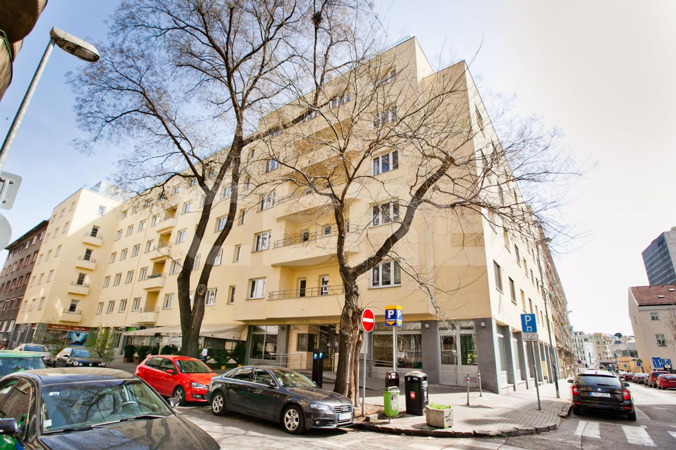 Elag House, Bratislava - Staré Mesto | Offices for rent by CBRE | 2