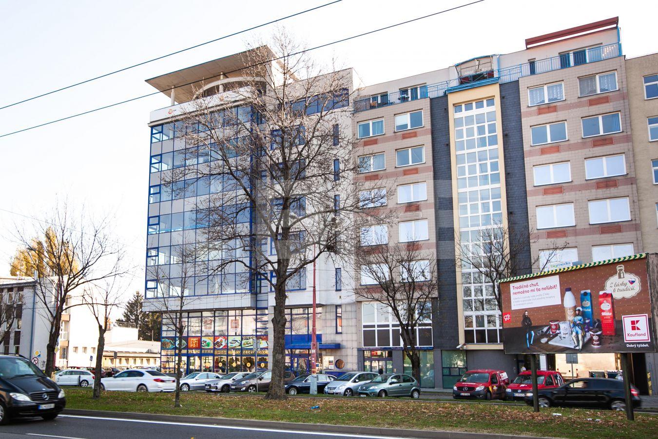 Trnavská cesta Business Center, Bratislava - Nové Mesto | Prenájom kancelárií od CBRE | 2
