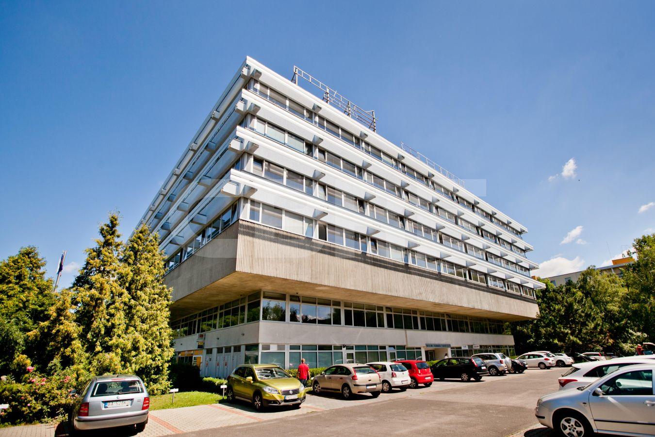 AB Dr. V. Clementisa, Bratislava - Ružinov | Offices for rent by CBRE | 2