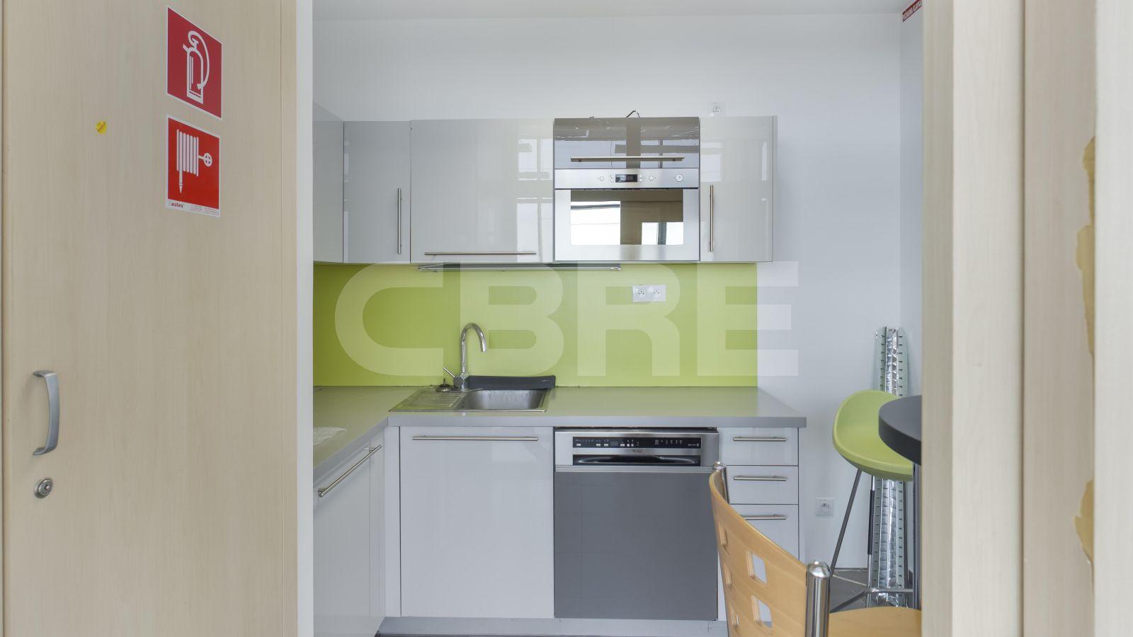 MicroStep - Vajnorská, Bratislava - Nové Mesto | Offices for rent by CBRE | 7