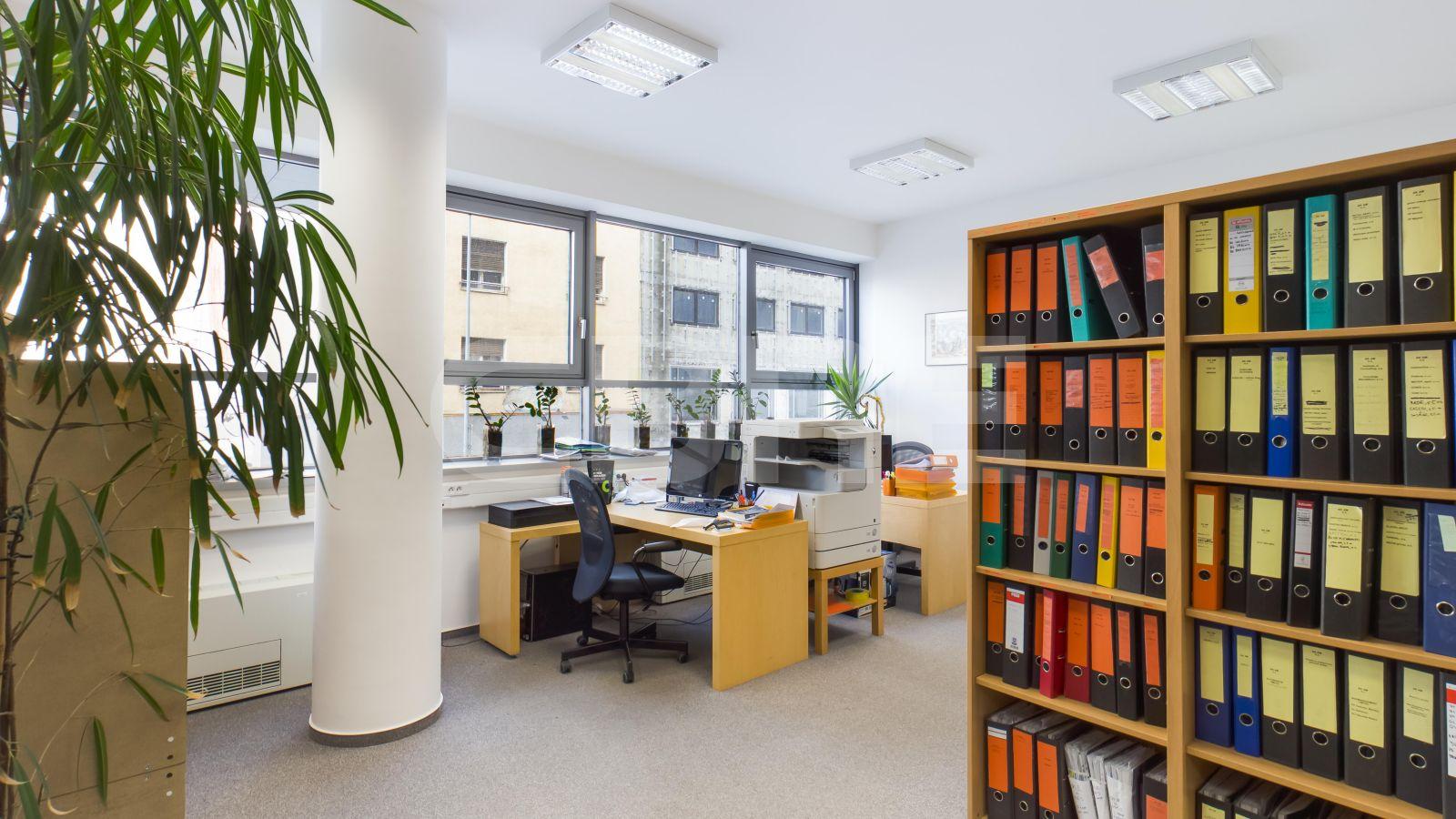 Dunajská 6, Bratislava - Staré Mesto | Offices for rent by CBRE | 1