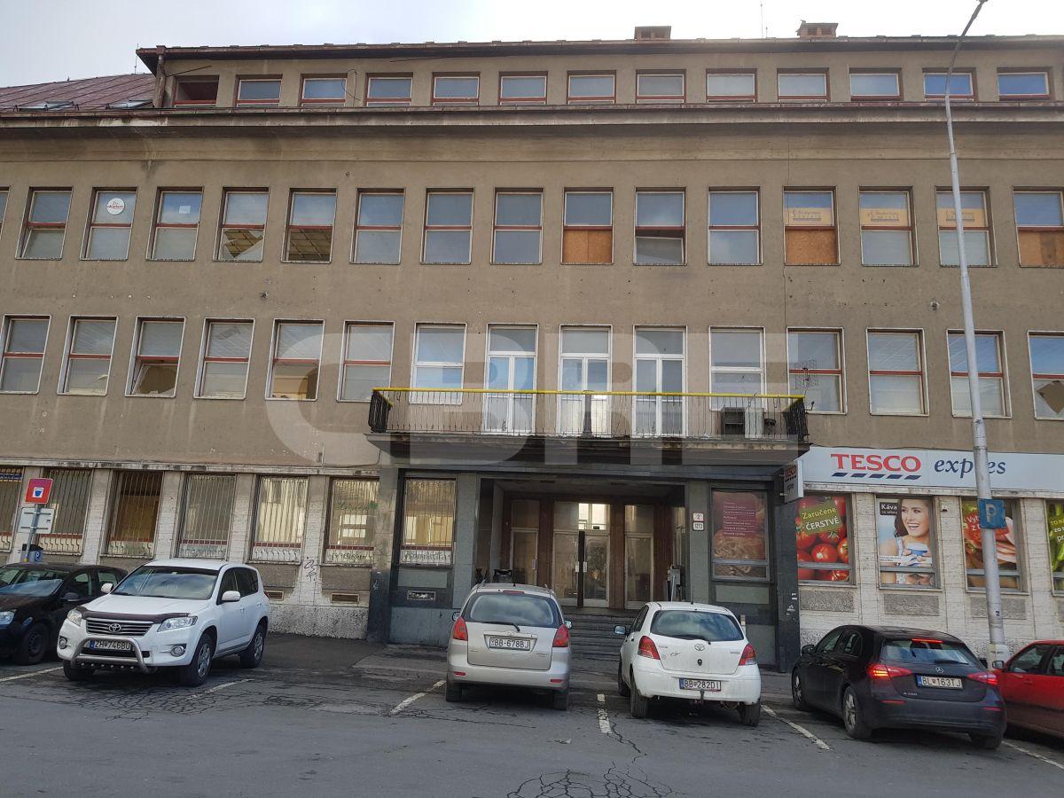 Strieborné námestie Banská Bystrica rekonštrukcia, Banská Bystrica | Offices for rent by CBRE | 3
