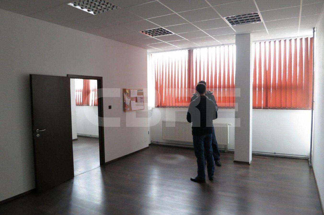 Uránová, Bratislava III. - 328 m2, Bratislavský kraj, Bratislava | Prenájom a predaj skladov a výrobných hál od CBRE | 3