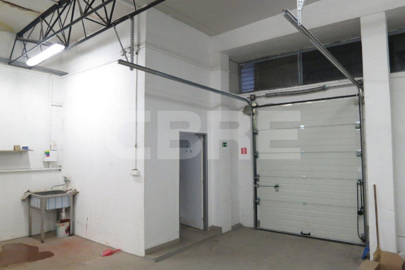 Uránová, Bratislava III. - 328 m2, Bratislavský kraj, Bratislava | Prenájom a predaj skladov a výrobných hál od CBRE | 4