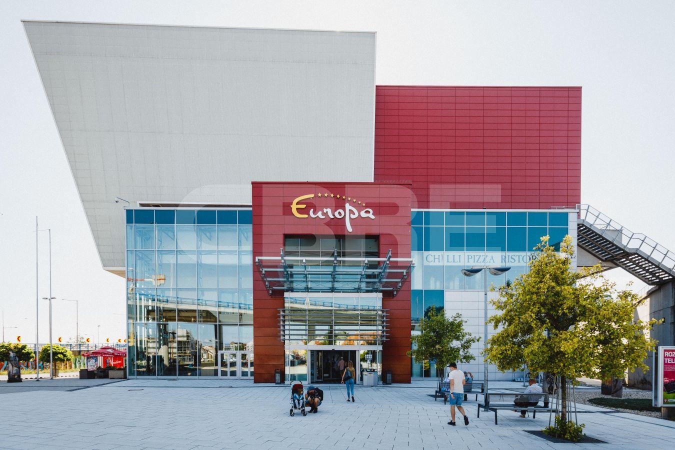 Europa SC, Banskobystrický kraj, Banská Bystrica | Retails for rent or sale by CBRE | 2