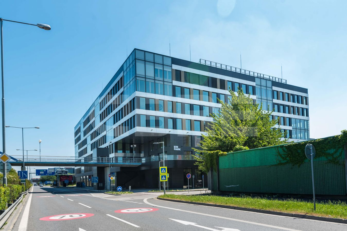 EINPARK Offices, Bratislava - Petržalka | Offices for rent by CBRE | 4