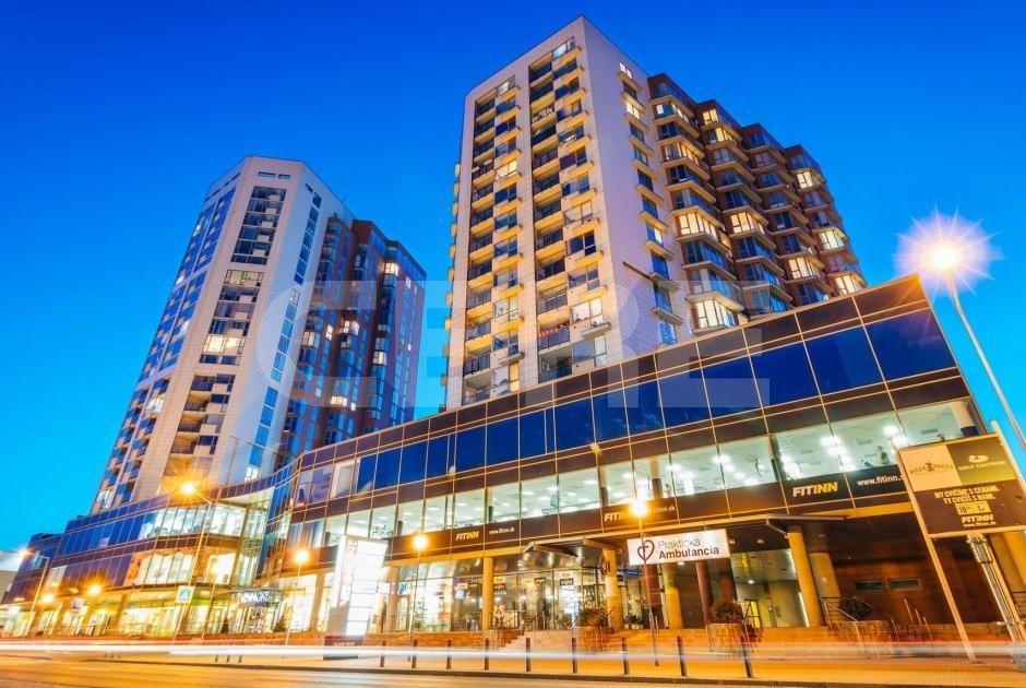 Vienna Gate, Bratislavský kraj, Bratislava - Petržalka   Retails for rent or sale by CBRE