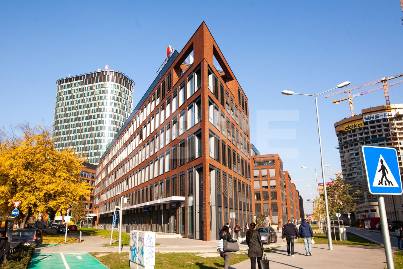 Twin City - A - Sublease, Bratislava - Staré Mesto | Offices for rent by CBRE | 1